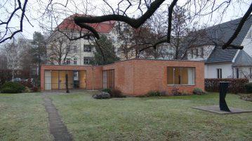 20161217_Mies-van-der-Rohe-Haus7416